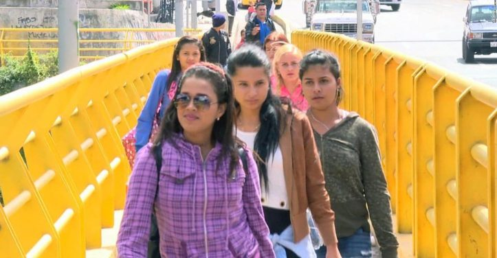 180326182125-venezolanos-cruzan-frontera-ecuatoriana-pkg-canizares-full-169-1170x610