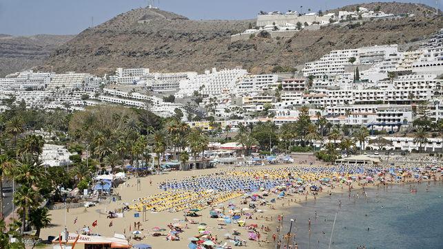 Panoramica-Puerto-Mogan-Alejandro-Ramos_EDIIMA20150713_0863_18