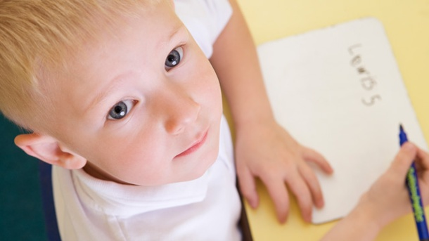 namensrecht-wessen-familiennamen-soll-das-kind-tragen-das-namensrecht-erlaubt-verschiedene-varianten-.jpg