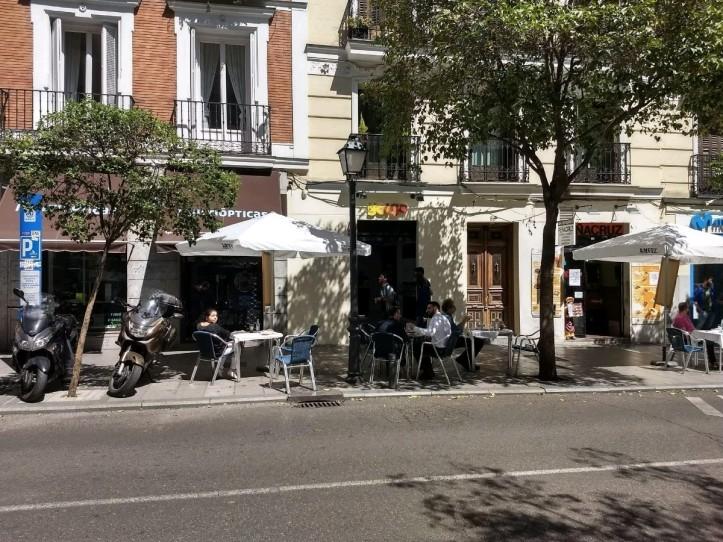 Yoigo_calle_Fuencarral_Madrid_03